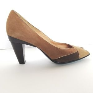 Like new Sofft Pumps Size 7.5 Leather Shoes Heels